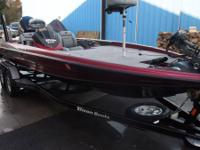 2006 Triton TR 21XD Bass boat powered with a 2006 225