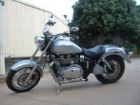 2006 Triumph Bonneville America Motorcycle 900cc engine