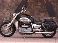 34rt Custom 2006 original Triumph Rocket III, well