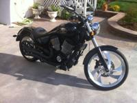 2006 Victory Vegas 8 Ball with accessories: Passenger