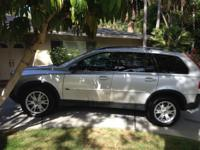 We are offering out 2006 Volvo XC90 V8 AWD. This