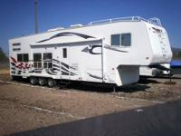 2006 36 Weekend Warrior 5th Wheel Toy Hauler 3505LE