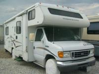 2006 Winnebago 27', Well-maintained & in great shape.