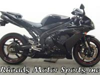 2006 Yamaha R1 with 20,060 Miles. With a liquid cooled