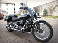 2006 Yamaha v-star midnight custom, like new; has many