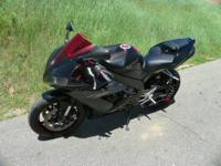 SUPER CLEAN 2006 YAMAHA YZF-R1! Features include: 998