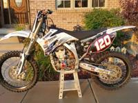 2006 YZF 250, Low hrs. Blk pro wheels. White Bros