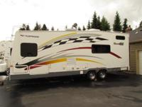 2006 29' FLEETWOOD GEAR BOX TOY HAULER MODEL M-2600 FS