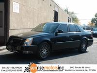 This 2006 Cadillac DTS w/1SD is offered to you for sale