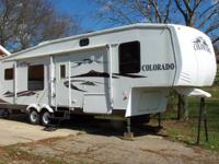 2006 Colorado Fifth wheel camper that is 32 feet 8