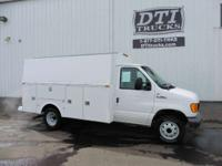 2006 Ford E-350 2006 Ford E-350 Enclosed Utility /