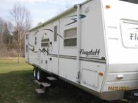 2006 Forest River Flagstaff 32QBSS Travel Trailer