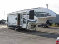 2006 Glendale Titanium This 5th wheel is self contained