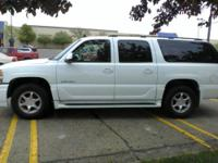 2006 GMC Yukon XL Denali AWD, white, sunroof, heated