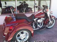 2006 Harley FLHRCI Road King, Champion Trike with