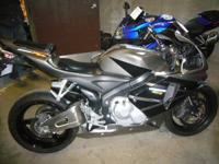 2006 HONDA CBR 600 RR.  MILEAGE 2720.  EXTREMELY NICE
