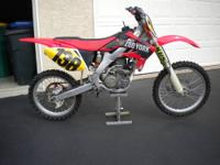 This is a 2006 Honda crf 250R for sale. I am the second