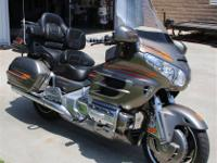 2006 Honda Gl1800 Goldwing and CSC Escapade trailer