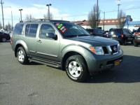 This outstanding example of a 2006 Nissan Pathfinder SE