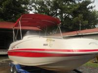 ...///2006 Tahoe 222 Deckboat with Mercruiser 5.0L 220