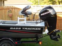 2007 17 aluminum Base Tracker Pro Crappie with 40hp
