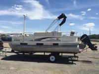 this is a 2007 18ft bass buggy sun tracker pontoon up
