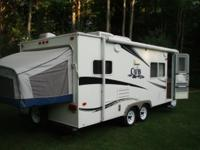 21 ft Expandable Travel Trailer, 2007 Areolite Cub