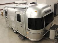 Beautiful 2007 19' Airstream Bambi Special Edition