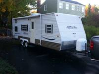 2007 25ft Amerlite by Gulfstream camper trailer.  Can