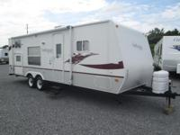 2007 Antigua by Starcraft design 275BH. This camper is
