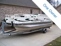 2007 Bentley 200F pontoon boat in exceptional condition