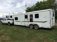 2007 3 horse bison trailer with 12' short wall living