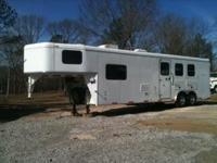 Description: 2007 Bison Trail Express (3) horse slant
