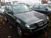 3.0si trim. EPA 26 MPG Hwy/18 MPG City! Panoramic Roof,