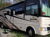 2007 BOUNDER 34', 2 SLIDES, V-10 GAS   $83,000