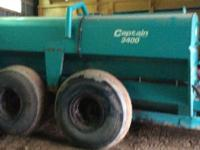2007 Captain T3400 Manure Spreader, In good shape,