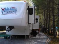 2007 Cardinal 30WBLE 5th Wheel with 2 slide outs King