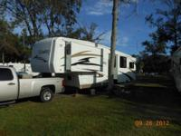 RV Type: Fifth Wheel Year: 2007 Make: Carriage Model: