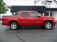 SUNROOF,HEATED LEATHER SEATS,4X4,LTZ,BOSE STEREO,