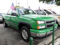 Exterior Color: green, Body: Crew Cab 4X4, Engine: 4.8