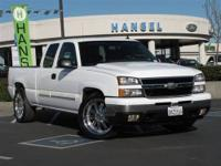 This 2007 Chevrolet Silverado 1500 LT Truck features a