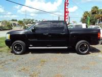 2007 Chevy Silverado LT 1500 Crew Cab Lifted on 20in