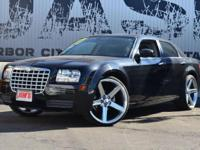 This 2007 Chrysler 300 4dr 4dr Sedan 300 RWD features a