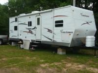 2007 Coachman Catalina Travel Trailer. Length 29FT-