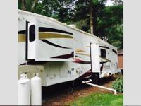 Wyoming by Coachmen, 37' Fifth Wheel, very little use,
