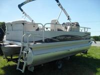 2007 Crestliner  fresh water boat, get a great ride