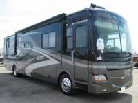 LIKE NEW ONE OWNER 2007 DISCOVERY BY FLEETWOOD MODEL