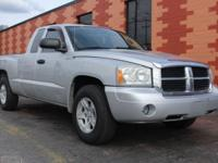 From city streets to back roads, this Silver 2007 Dodge