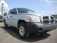 FUEL EFFICIENT 22 MPG Hwy-16 MPG City!! This 2007 Dodge