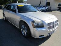 Options:  2007 Dodge Magnum 4D Wagon Sxt Silver Air
